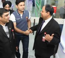 Cricketer Abdul Razzaq Visits Thumbay Hospital Dubai